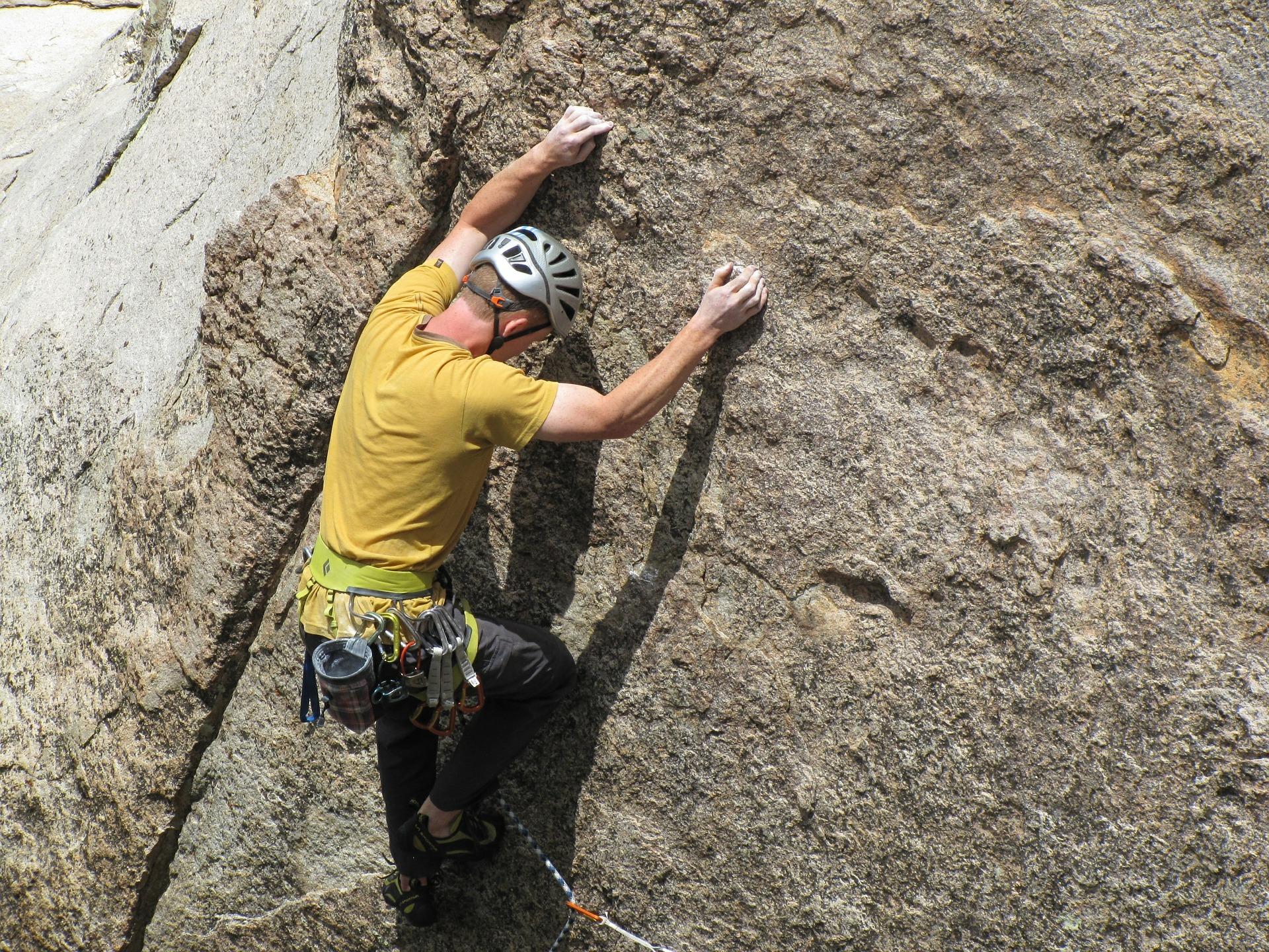 rock-climbing-403487_1920