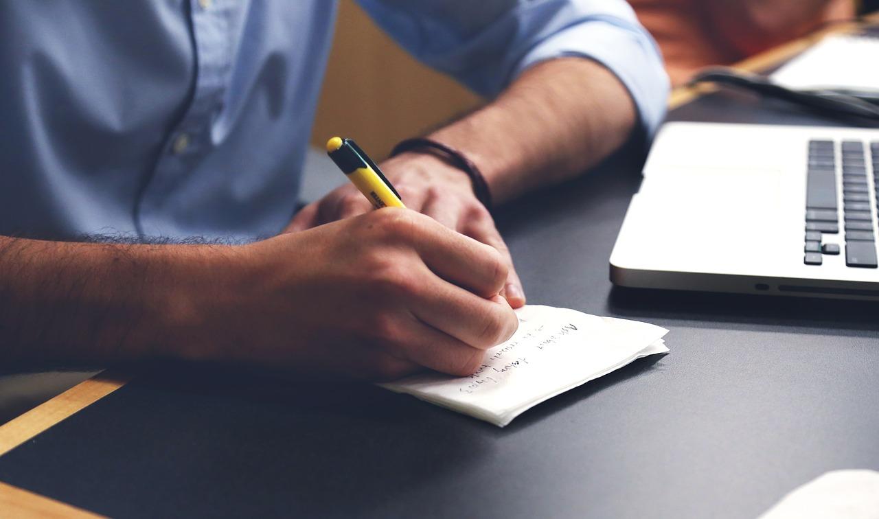 Storytellingowe CV – postaw na swoją historię (zobacz przykład)